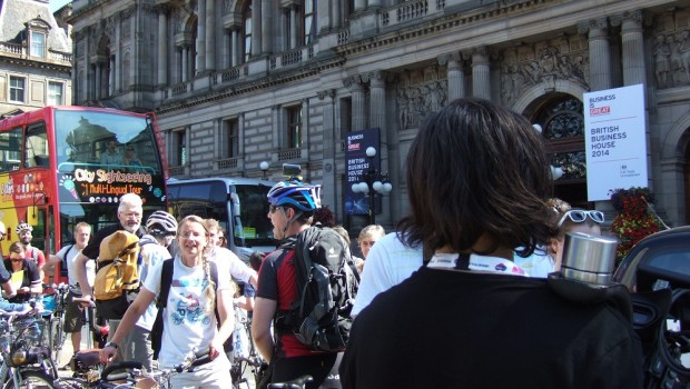 Dave Brennan, with Go Bike members, supporters and other cycle enthusiasts, handed the Petition to Councillor Alistair Watson (that's him in the dress-down Friday black polo shirt and jeans), Executive […]